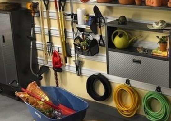Organized garage garage floor ideas 8 easy and for Affordable garage