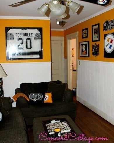 Hereu0027s A Great Example Of A Quick And Simple Way To Transform A Den Or  Family Room Into A Football Themed Retreat. As The Gold And White Paint  Job, ...
