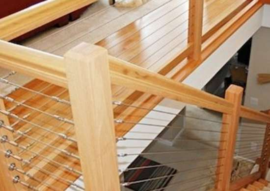 The Natural Beauty Of Wood Marries Streamlined Look Stainless Steel Cable In This Diy Friendly Staircase Railing System Ropriate For Use Both