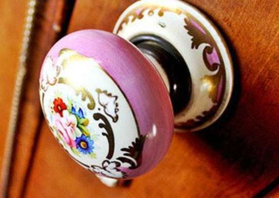 Painting Door Knobs