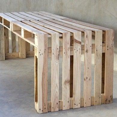 Wood pallet projects 15 easy diy ideas bob vila - Banc palette de bois ...