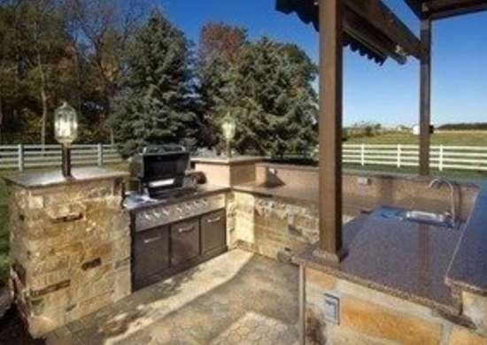 P-hurst-outdoor-kitchen-1_bob_vila20111123-36322-wzuoyo-0