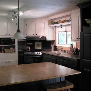 Mobile home remodeling 9 totally amazing before and for Home kitchen renovation