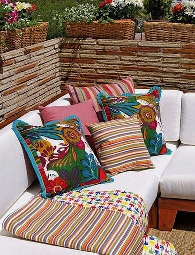 Colorful Patio Furniture Cushions - DIY Outdoor Furniture ...