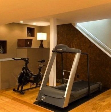 Home-gym-basement-makeover