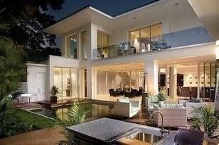 New-american-home-backyard-ibs-bob-vila