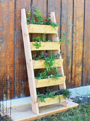 Ladder vertical planter
