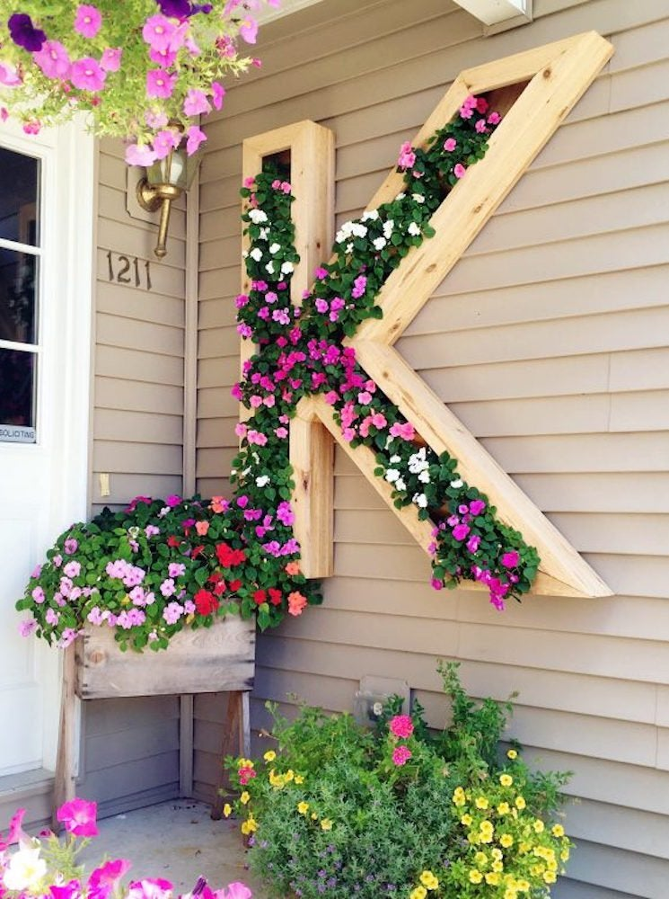 Hanging monogram planter