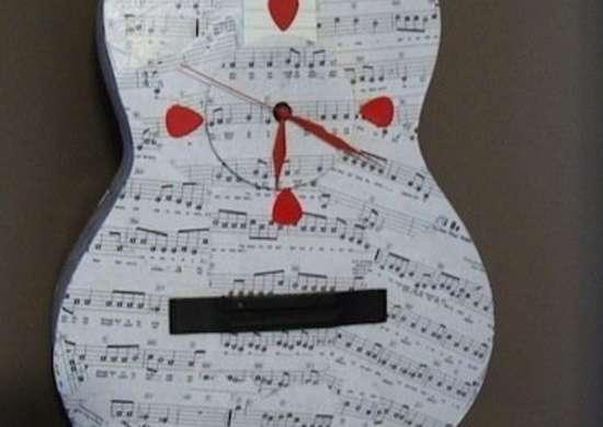 DIY Guitar Clock