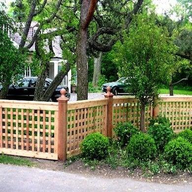 Fence styles 10 popular designs today bob vila for Unique privacy fence designs