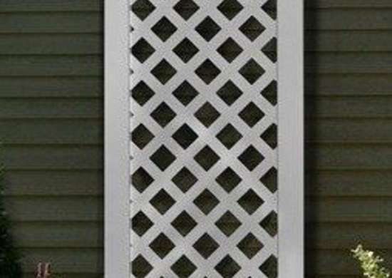 Outdoorlivingshowroom new england arbors luxemburg privacy screen trellis bob vila curb appeal20111123 36322 fa9fgz 0