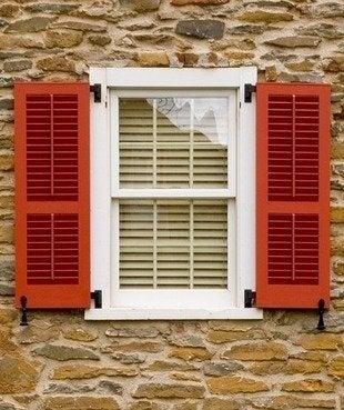 Timberlane louver exterior shutters bob vila curb appeal20111123 36322 brbuh6 0